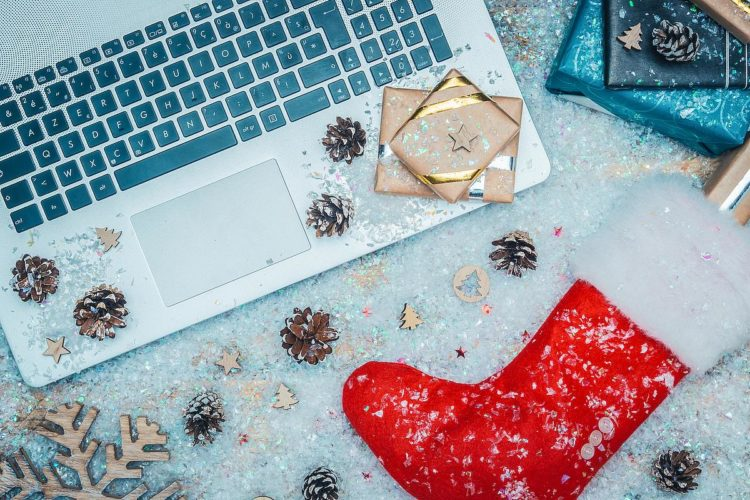Top Features for Online Christmas Services